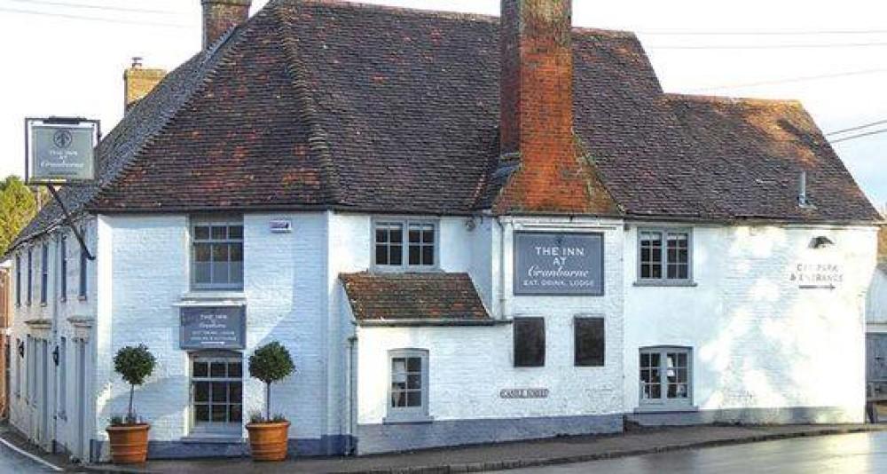 A354 doggiestop with pub, Dorset - Dorset dog-friendly pub and dog walk