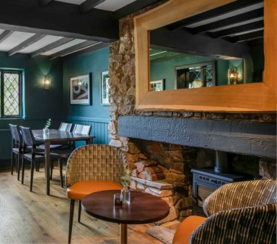 A379 dog-friendly pub by the beach near Torquay, Devon - Driving with Dogs