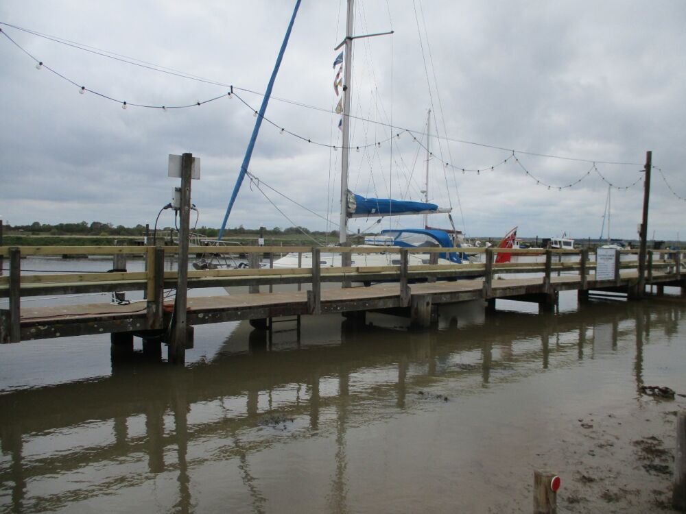 Southwold waterside dining pub, Suffolk - Dog-friendly pub by the harbour