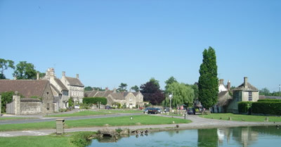 Cotswold village dog walk and dog-friendly inn, Wiltshire - Wiltshire dog friendly pub and dog walk