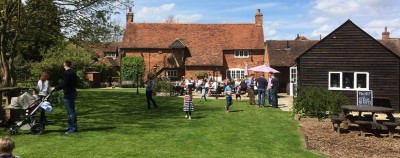 A413 dog walk and dog-friendly village pub, Buckinghamshire - Driving with Dogs