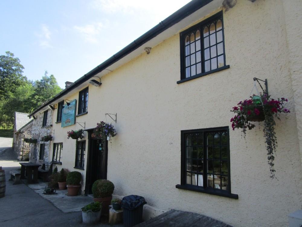 Riverside inn and dog walk, Shropshire - Shropshire dog-friendly pub and dog walk.JPG