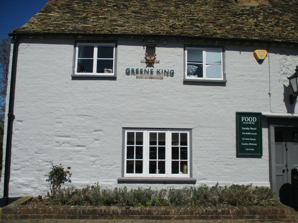 Dog-friendly country inn and dog walk not far from Kings Lynn, Norfolk - Norfolk dog-friendly pub and dog walk