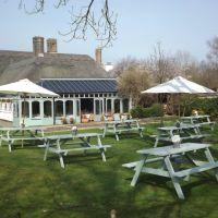 Dog-friendly dining near the M11 Cambridge, Cambridgeshire - Cambridgeshire dog-friendly pub and dog walk