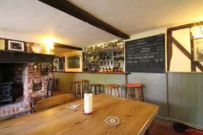 A12 countryside pub near Saxmundham, Suffolk - Driving with Dogs