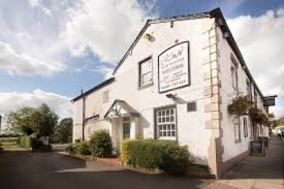 Tarporley dog-friendly pub, Cheshire - Driving with Dogs
