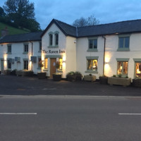 A458 Welshpool dog-friendly pub, Wales - raven-welshpool.jpg