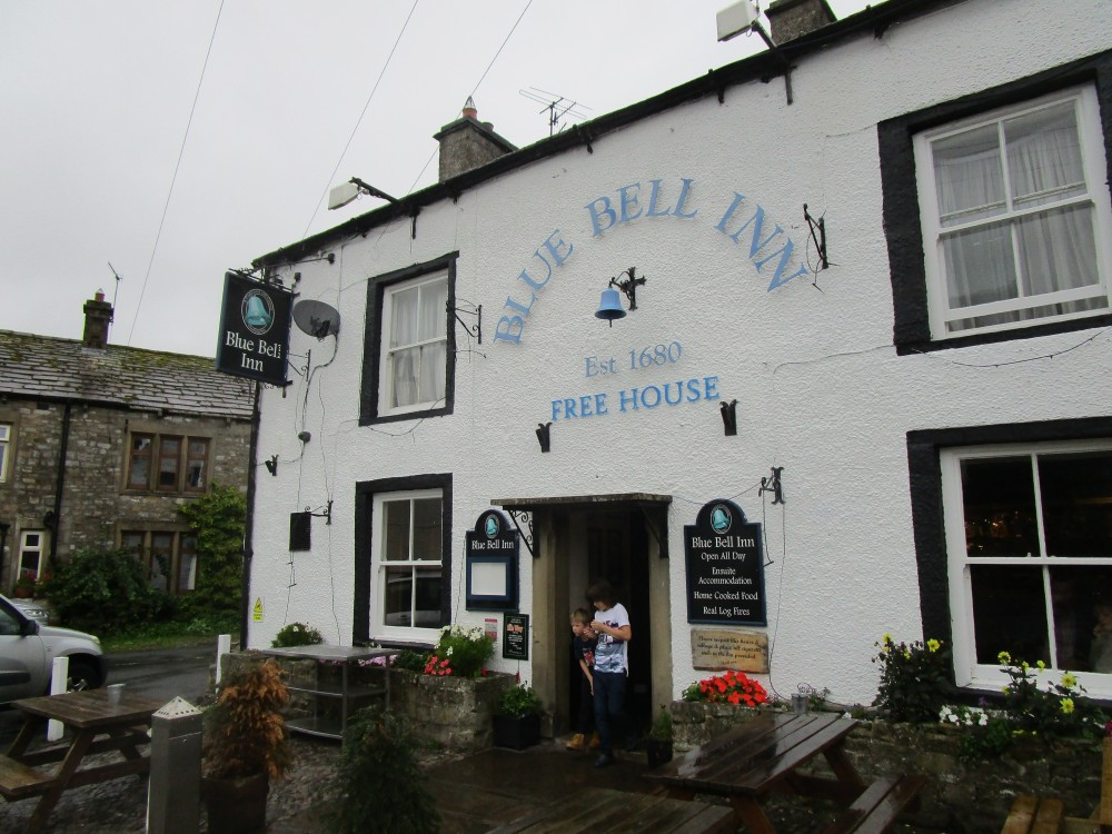 Dalesway dog walk and dog-friendly pub, Yorkshire - Yorkshire dog-friendly pub and dog walk