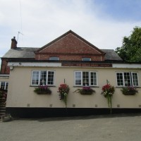 Arthingworth dog walk and dog-friendly pub, Northamptonshire - Dog-friendly pub and dog walk in Northamptonshire
