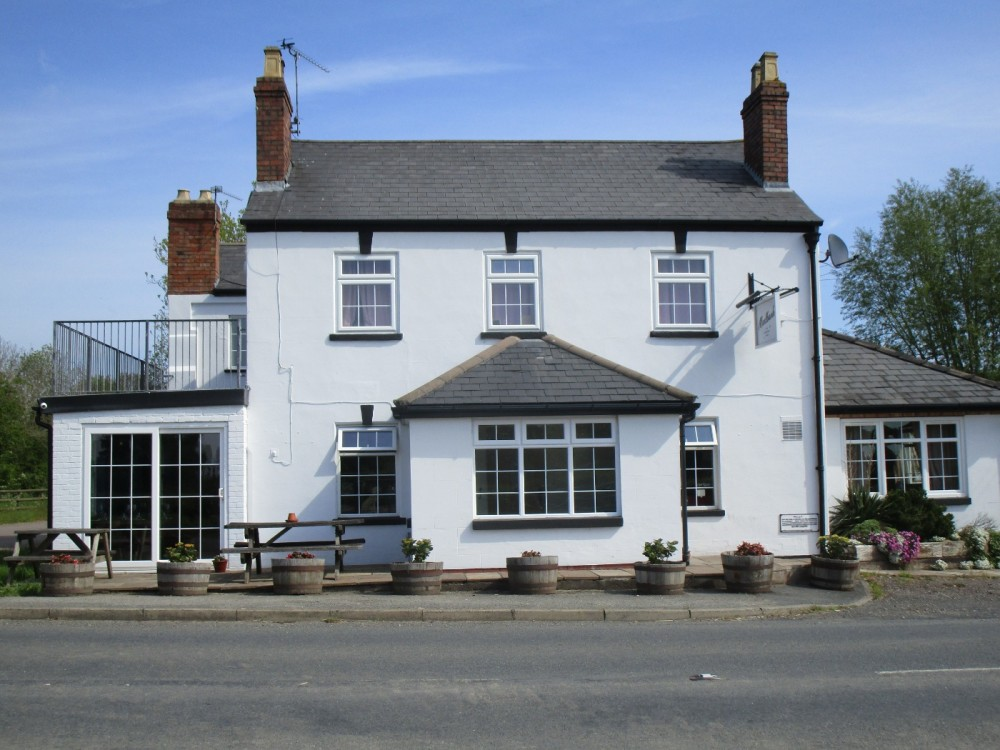 Dog-friendly pub with B&B and camping near Malvern, Worcestershire - Worcestershire dog walks and dog-friendly pubs.JPG