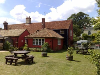 Village pub and dog walk near Saffron Walden, Essex - Driving with Dogs
