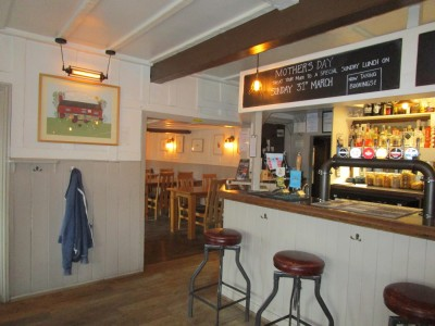 A272 dog-friendly pub and dog walk, West Sussex - Driving with Dogs