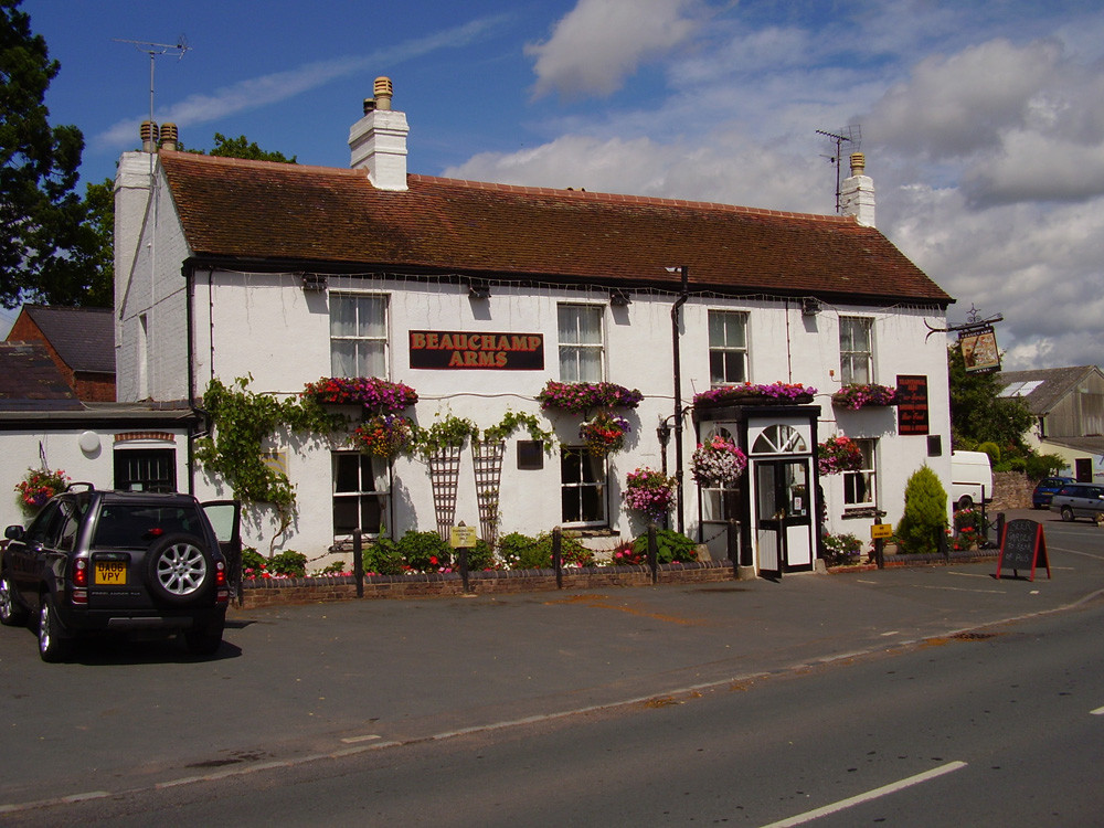 M50 Junction 3 dog-friendly pub and dog walk, Herefordshire - Dog walks in Herefordshire