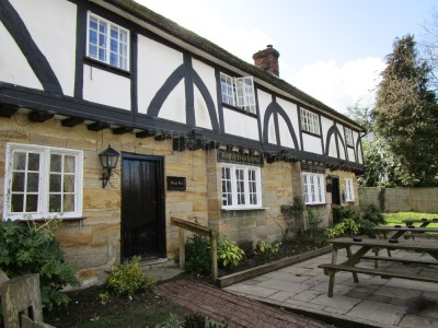 A21 dog-friendly pub and short walk near Lamberhurst, Kent - Driving with Dogs