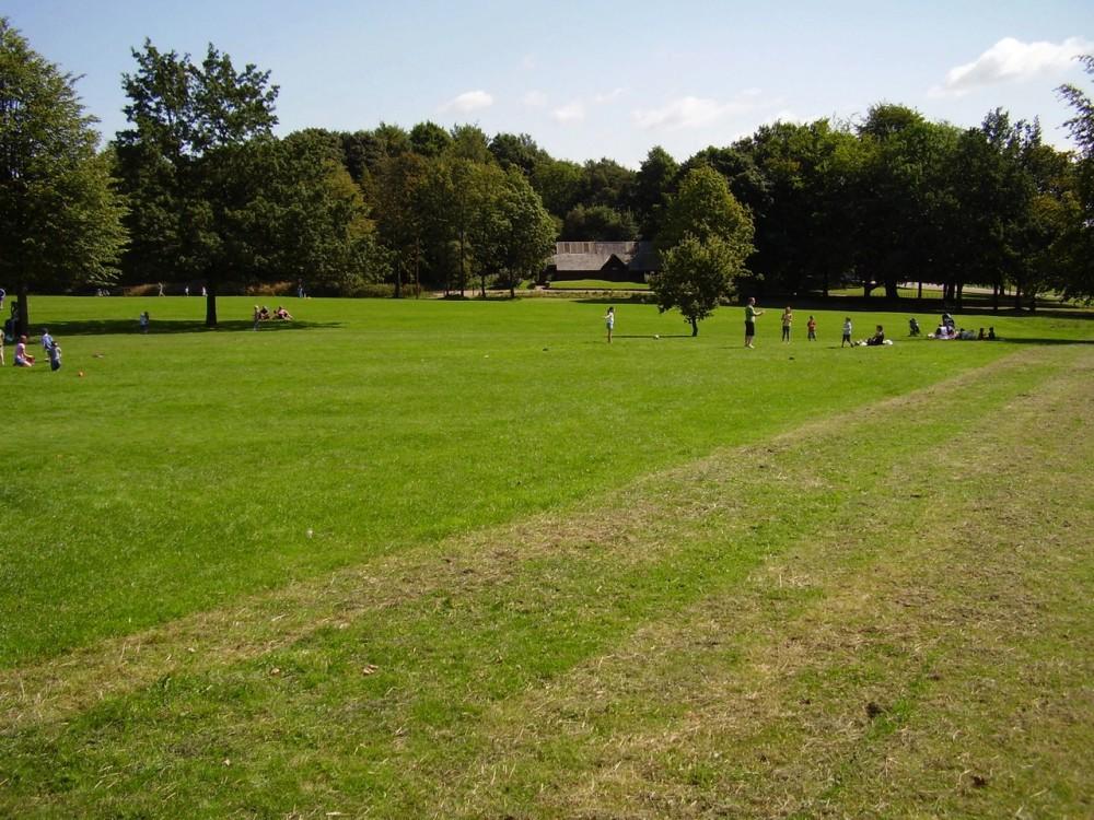 Heaton Park dog walk, Greater Manchester - Dog walks in Greater Manchester