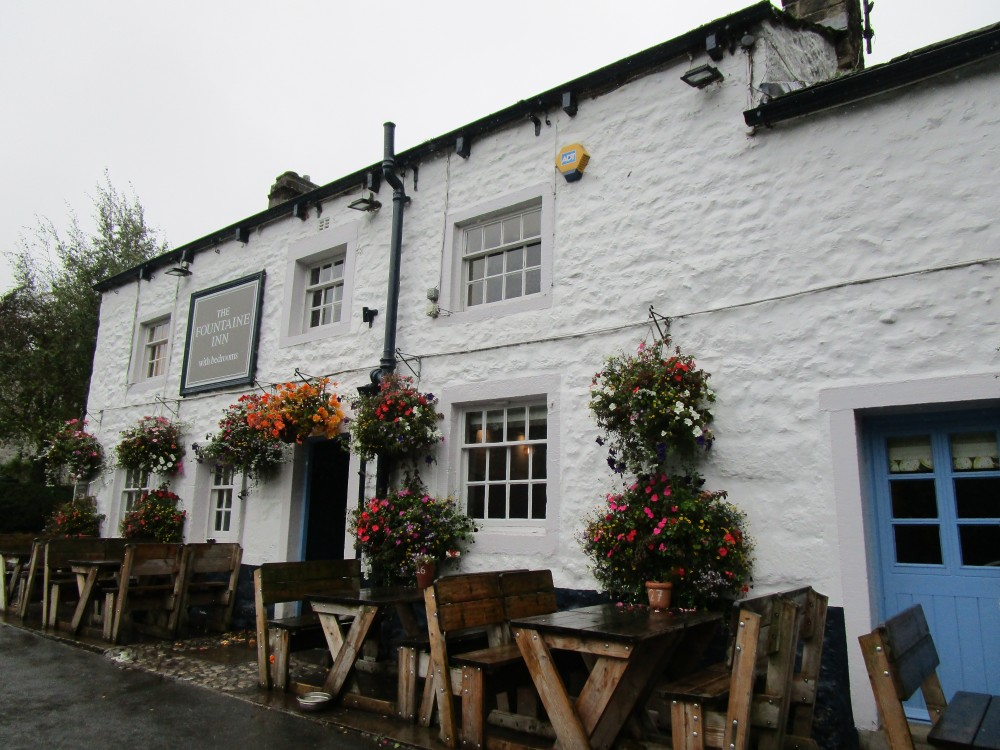 Dog-friendly pub and walk in Wharfedale, Yorkshire - Yorkshire dog-friendly pub and dog walk