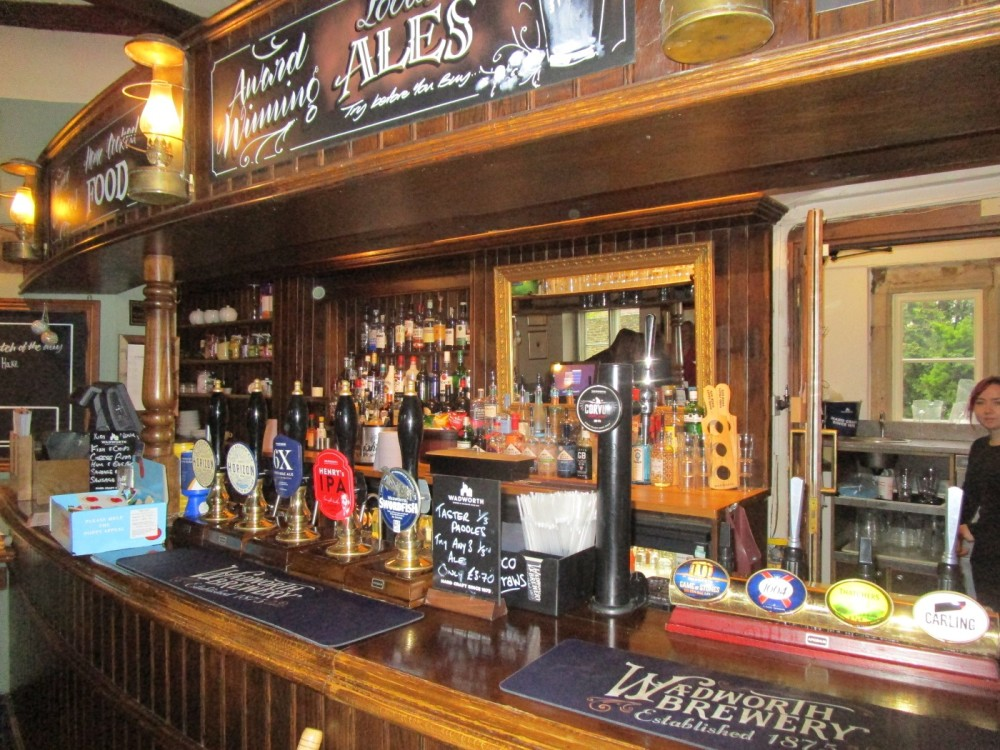 A350 historic village and dog-friendly pubs, Wiltshire - IMG_6126.JPG