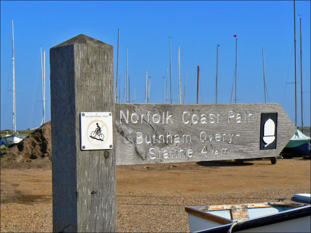 Brancaster Bay dog-friendly beach, Norfolk - Dog walks in Norfolk