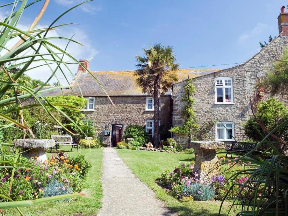 A35 coast walk and refreshments, Dorset - Dorset dog-friendly pub and dog walk