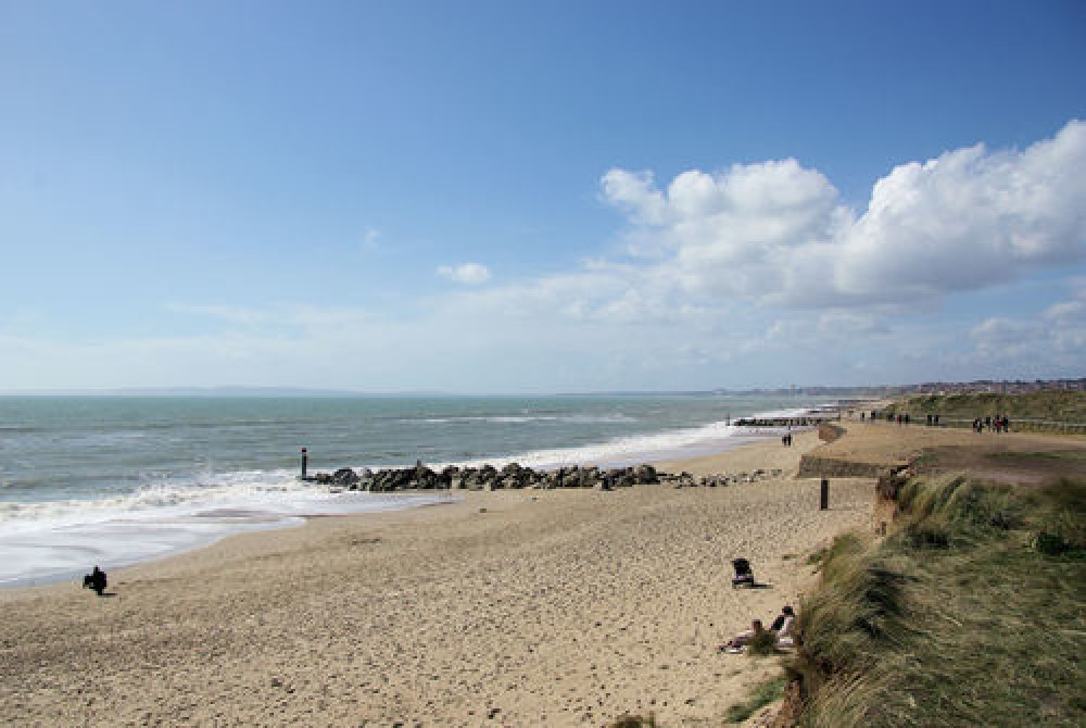 Hengistbury Head dog-friendly beach, Dorset - Dog walks in Dorset