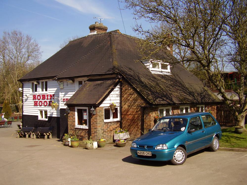 Bluebell Hill dog walk and dog-friendly pub, Kent - Dog walks in Kent
