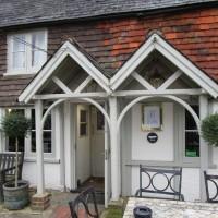 Dog walks and dog-friendly pub near Horsham, West Sussex - Sussex dog-friendly pub with dog walk.JPG