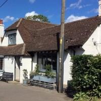 Dog walk and dog-friendly pub near Wendover, Buckinghamshire - Buckinghamshire dog friendly pub and dog walk