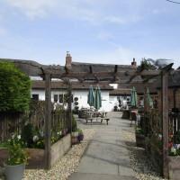 A34 dog-friendly inn and dog walk near Oxford, Oxfordshire - Oxfordshire dog-friendly pub and dog walk
