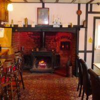 Dog-friendly dining and an easy short dog walk, Cambridgeshire - Cambridgeshire dog-friendly pub and dog walk