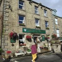 Hawes - dog-friendly town, Yorkshire - Yorkshire dog-friendly pub and dog walk