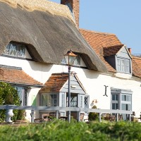 M4 dog friendly pub and dog walk near Newbury, Berkshire - Berkshire dog walk and dog friendly pub