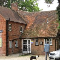 Didcot area dog walk and dog-friendly pub, Oxfordshire - Dog friendly pub and dog walk near Wallingford.JPG