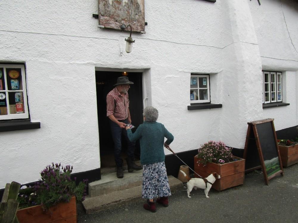 Olde worlde pub with B&B and dog walk, Devon - Devon dog walk and dog-friendly pub.JPG