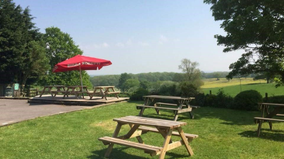 Dog walk and dog-friendly pub near Milton Keynes, Buckinghamshire - Driving with Dogs