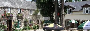 A38 dog-friendly inn with rooms near Saltash, Cornwall - Driving with Dogs