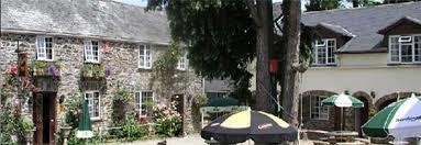 A38 dog-friendly inn with rooms near Saltash, Cornwall - crooked inn dog-friendly in with rooms.jpg