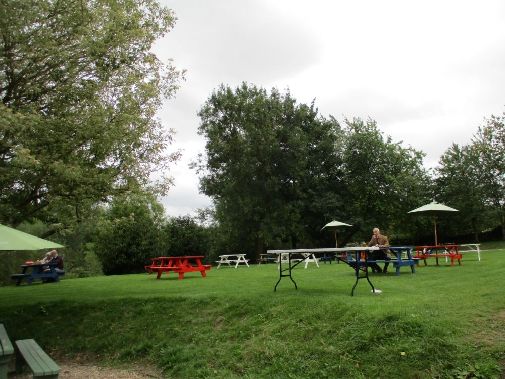 Riverside dog-friendly pub and dog walk, Gloucestershire - Dog walks from dog-friendly pubs in the Cotswolds.JPG