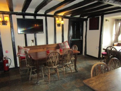 Dog-friendly pub near East Peckham, Kent - Driving with Dogs