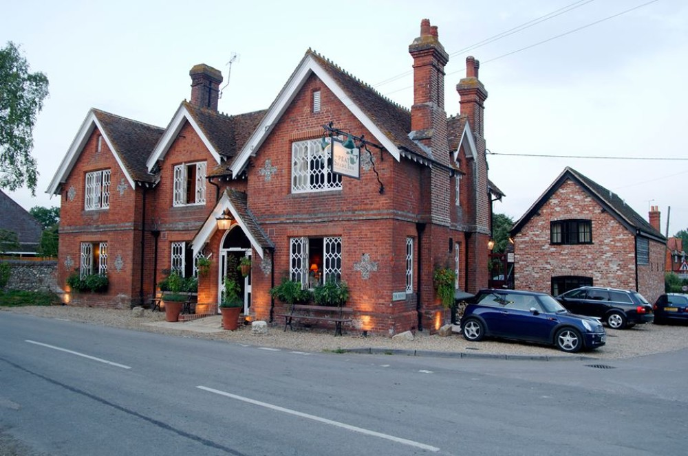 A30 dog-friendly pub and dog walk near Andover, Hampshire - Hampshire dog-friendly pub and dog walk