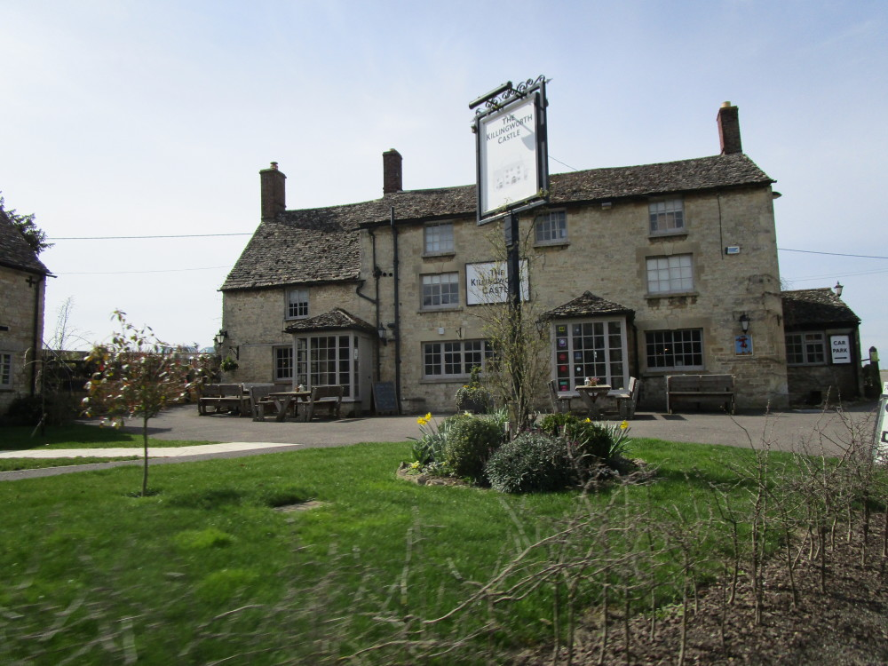 A44 dog-friendly B&B and pub near Woodstock, Oxfordshire - Oxfordshire dog-friendly pub
