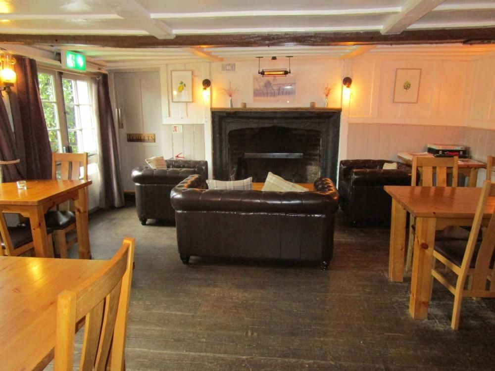 A272 dog-friendly pub and dog walk, West Sussex - Sussex dog walks with dog-friendly pubs.JPG