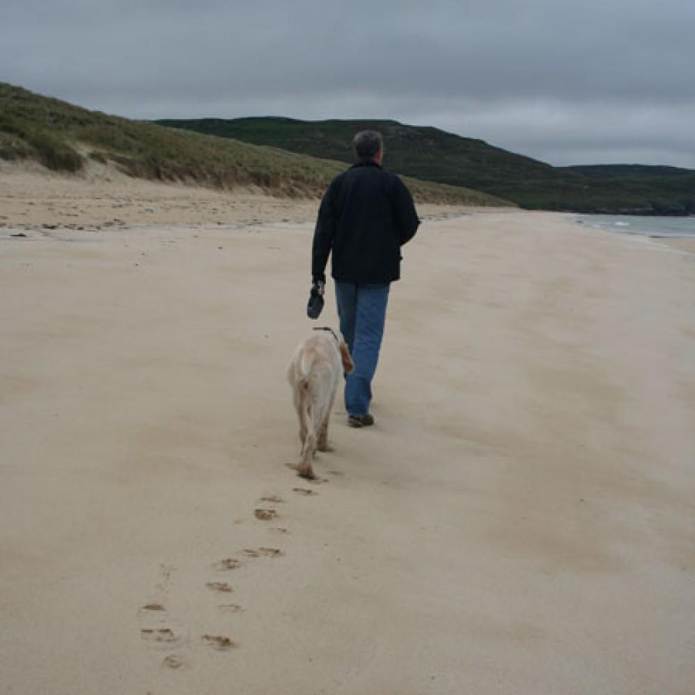Traigh Mhor dog friendly beach on the Isle of Lewis, Scotland - Dog walks in Scotland