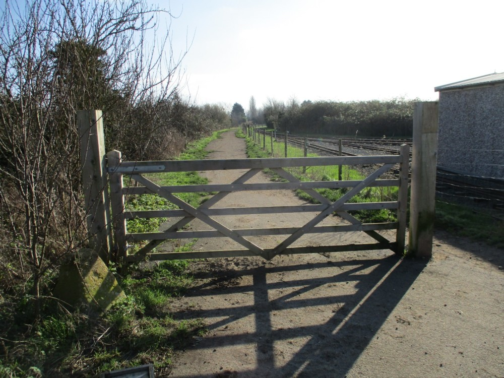 A44 Services with dog-friendly cafe, shops and dog walk, Worcestershire - IMG_1104.JPG