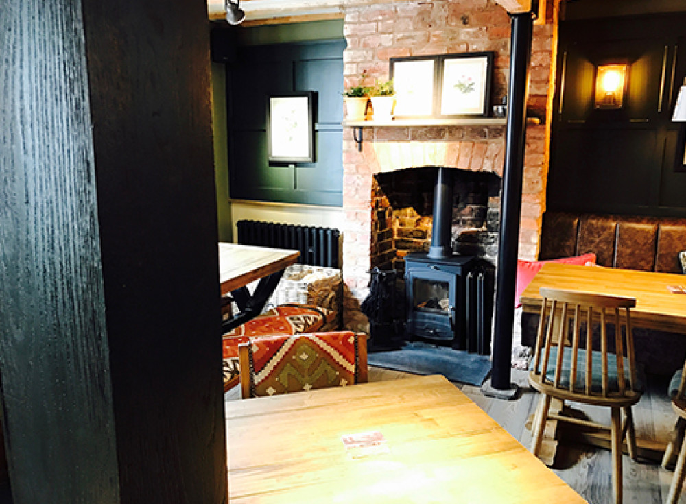 Tarporley dog walk and dog-friendly pub, Cheshire - RisingSun_cheshire.jpg