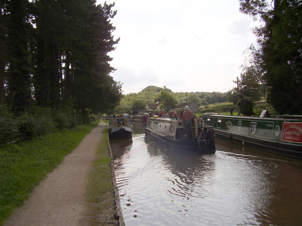 Hartshill canalside walk, Warwickshire - Dog walks in Warwickshire
