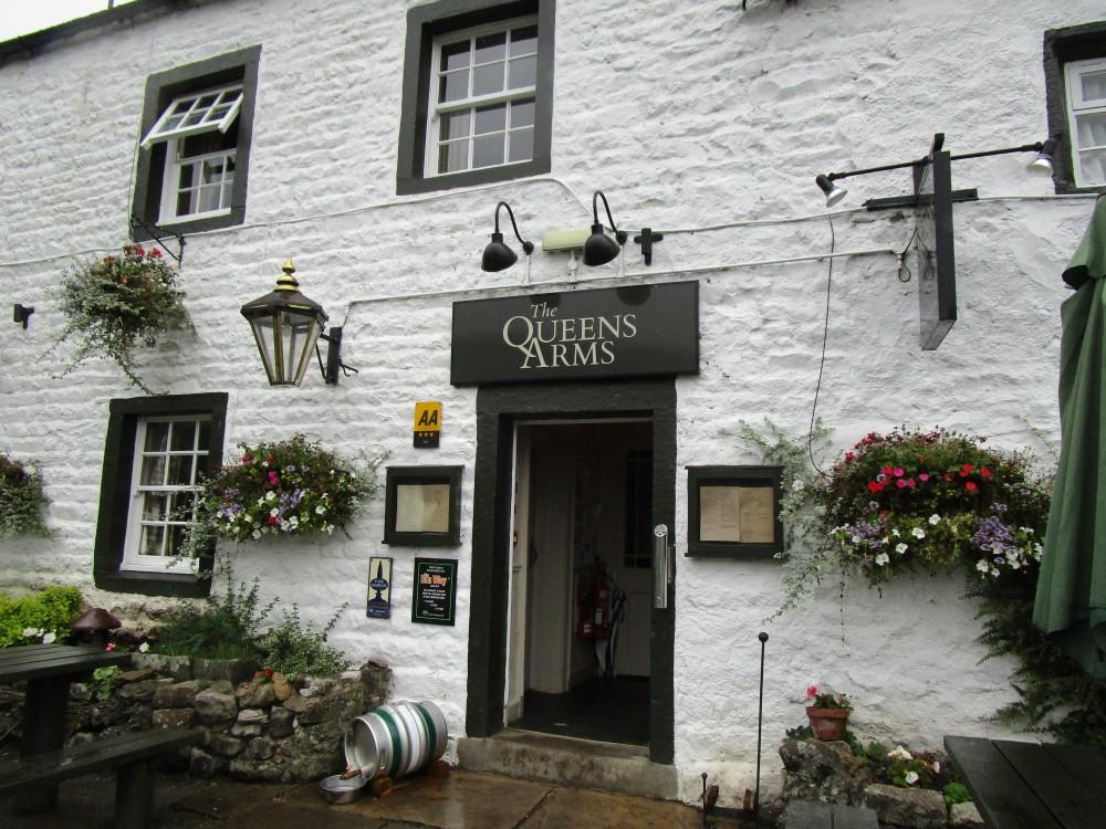 Dales dog-friendly pub and dog walk, Yorkshire - Yorkshire dog walk and dog-friendly pub