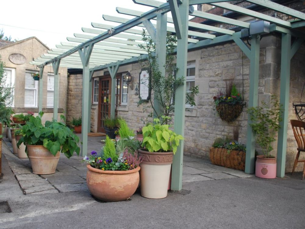 Dog-friendly country inn with B&B near Bath, Somerset - Dog-friendly B&B near Bath.jpg