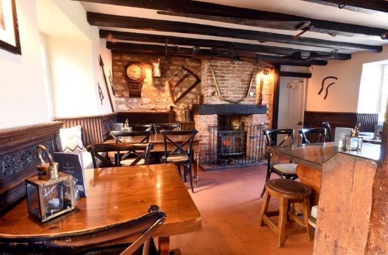 A149 Thornham dog-friendly pub and dog walk, Norfolk - Dog-friendly pub and dog walk near Hunstanton