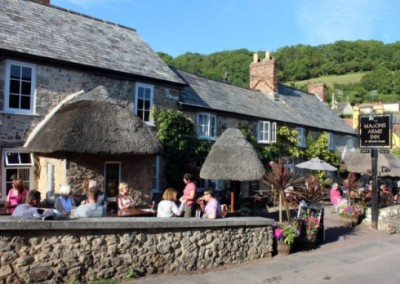 Devon coast path and dog-friendly country inn and B&B, Devon - Driving with Dogs