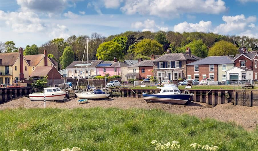 Dog walk and pubs in a pretty river port town, Essex - Dog-friendly pubs with walks near Colchester.jpg